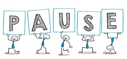 Viele glückliche Cartoon Leute halten Pause Schilder